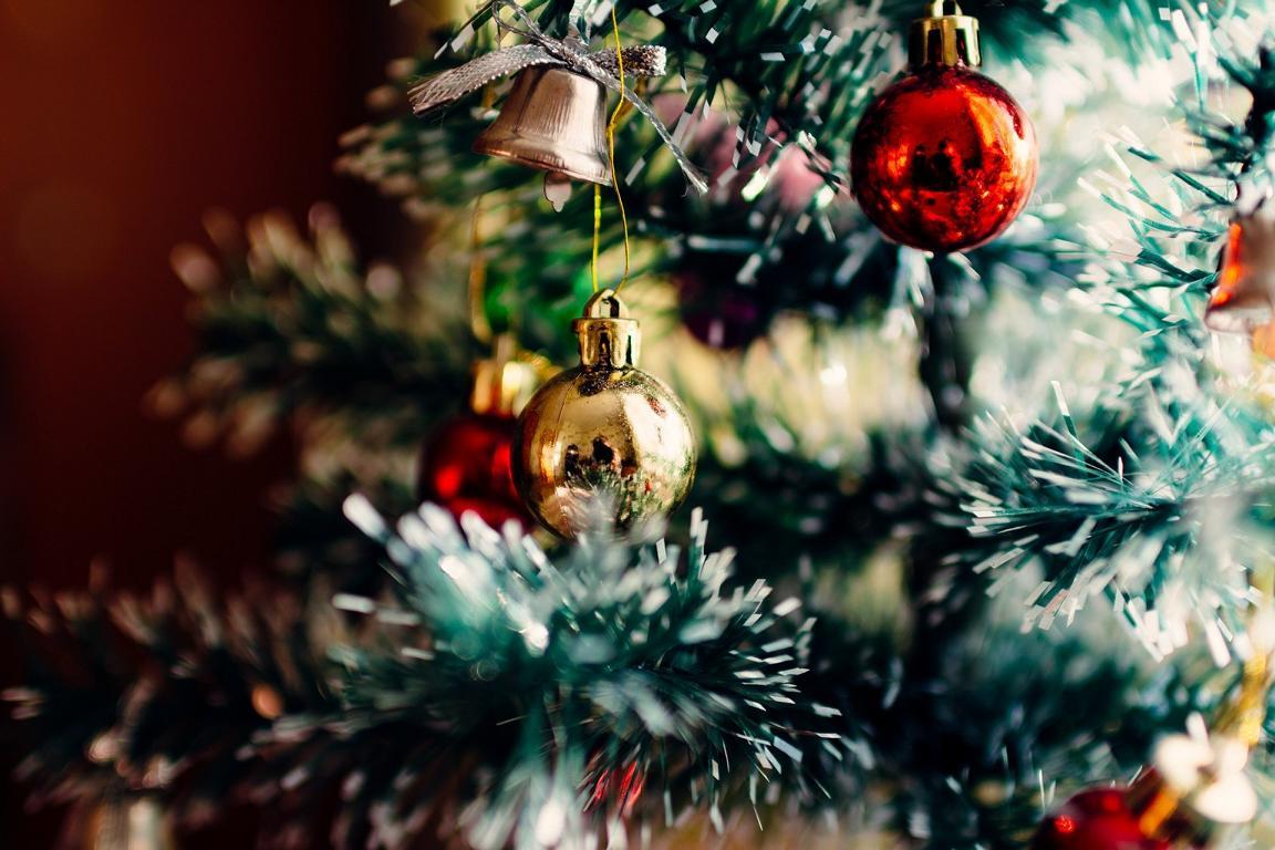weihnachtsbaum entsorgen einfach an die stra e stellen. Black Bedroom Furniture Sets. Home Design Ideas